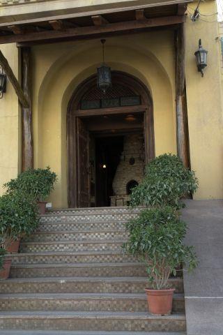 咖啡馆的门口(没有进去过,现在有点遗憾)