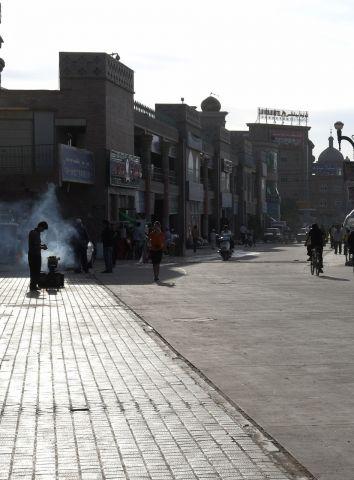 老城区尽头开始开阔的街道(摄于第二天清晨)